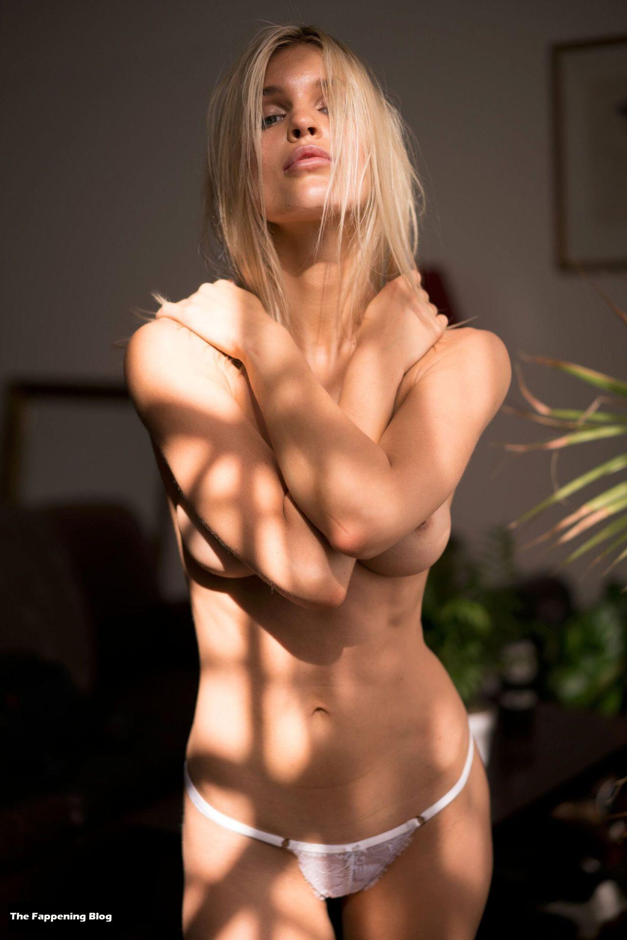Joy Corrigan Nude Tits 13