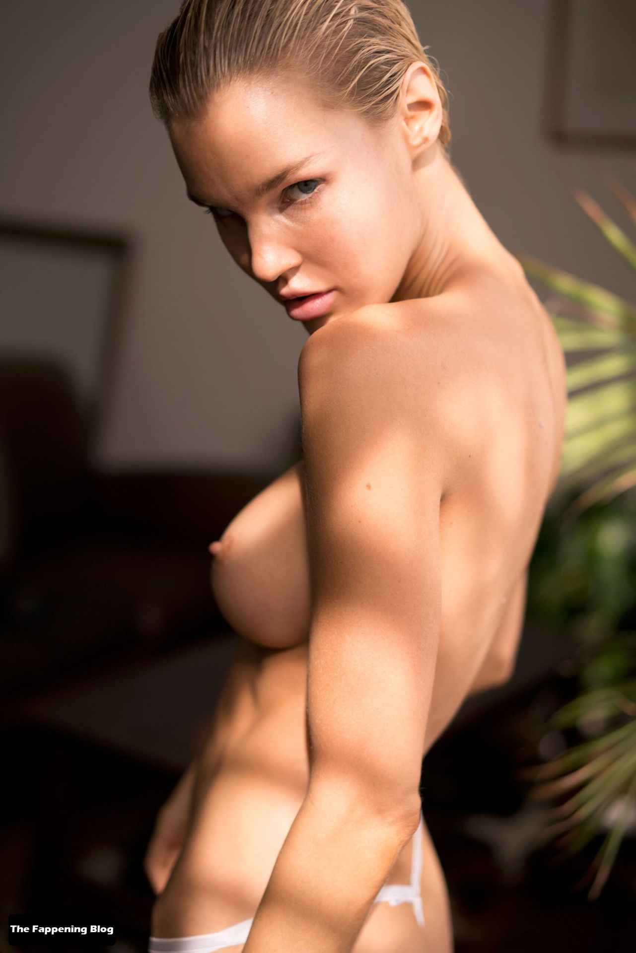 Joy Corrigan Nude Tits 15