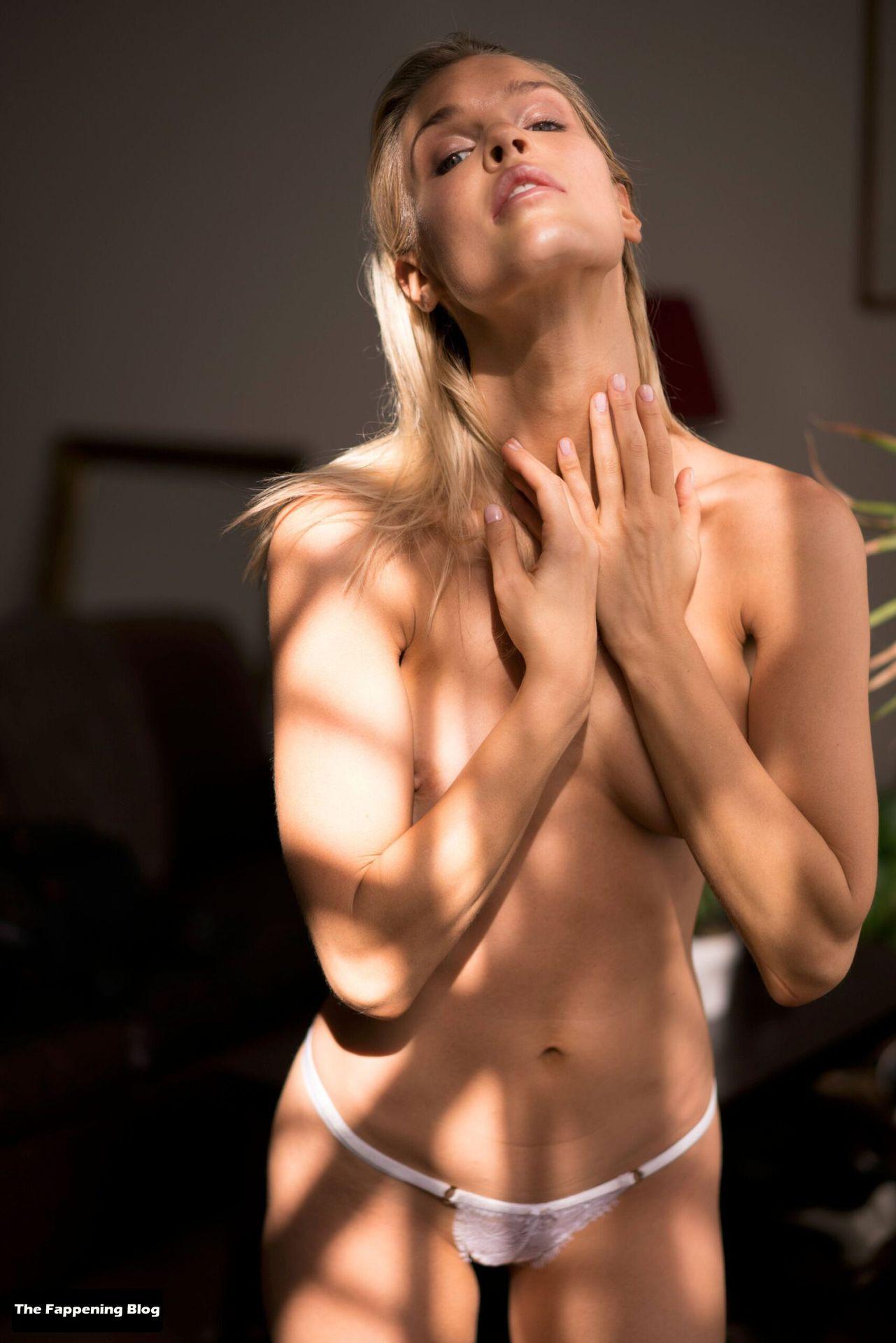 Joy Corrigan Nude Tits 10
