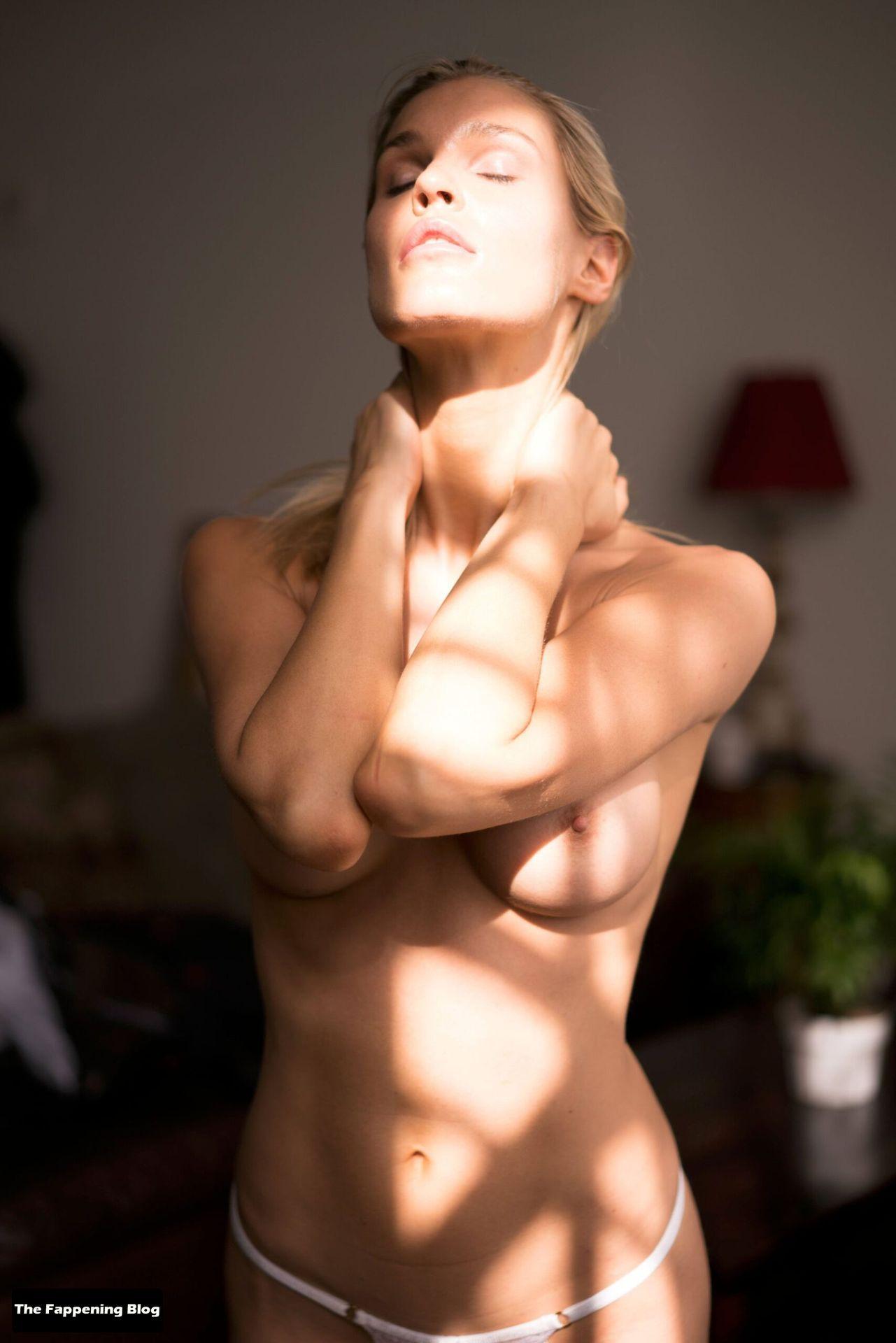 Joy Corrigan Nude Tits 26