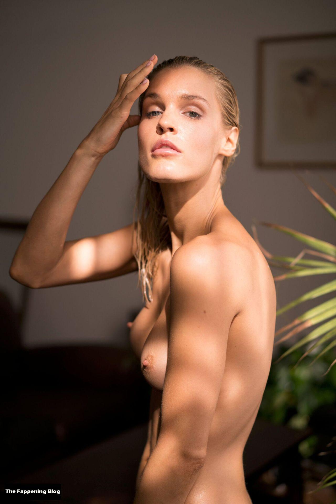 Joy Corrigan Nude Tits 16