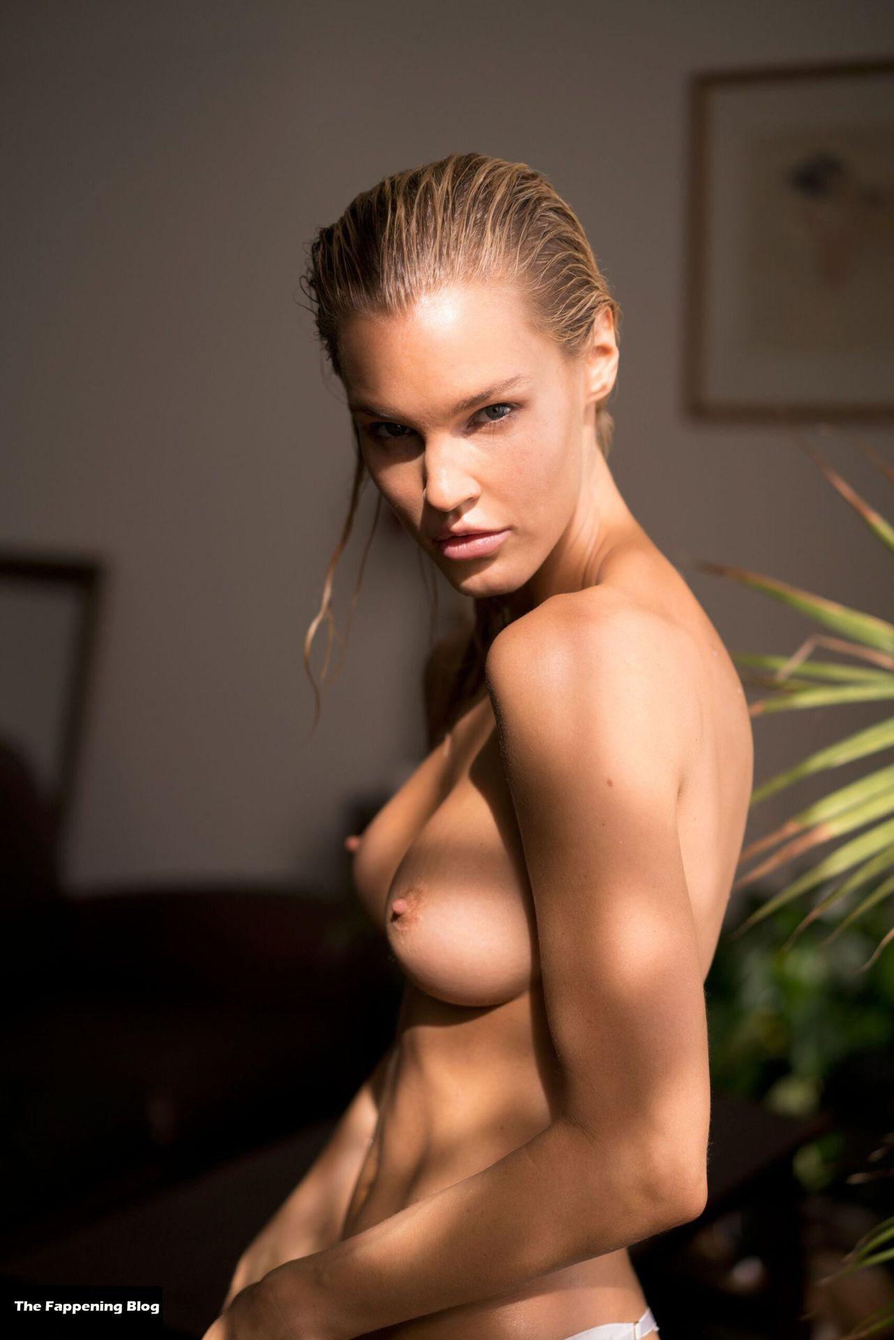 Joy Corrigan Nude Tits 17