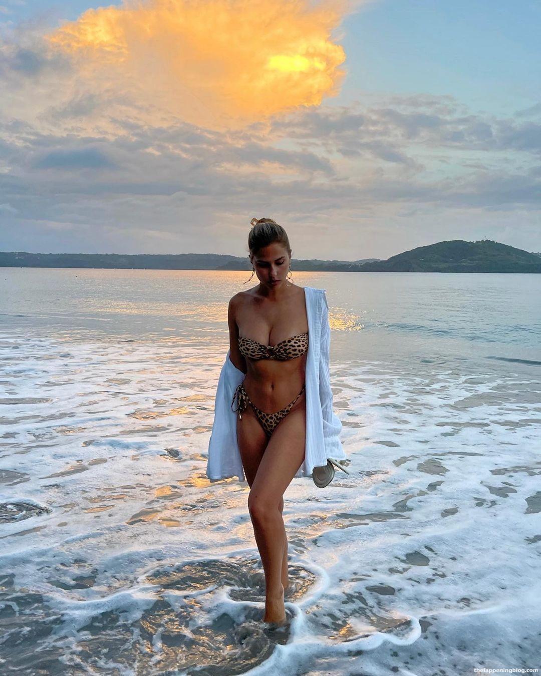 Kara-Del-Toro-Gorgeous-Breasts-4-11-thefappeningblog.com_.jpg