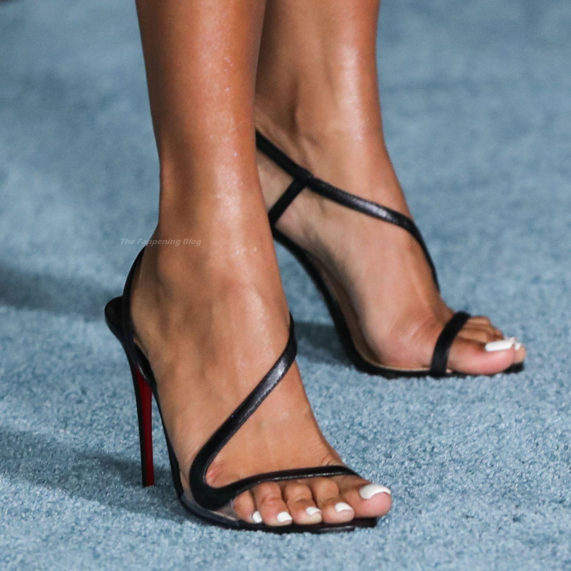 Karrueche-Tran-Sexy-Legs-Feet-The-Fappening-Blog-21.jpg