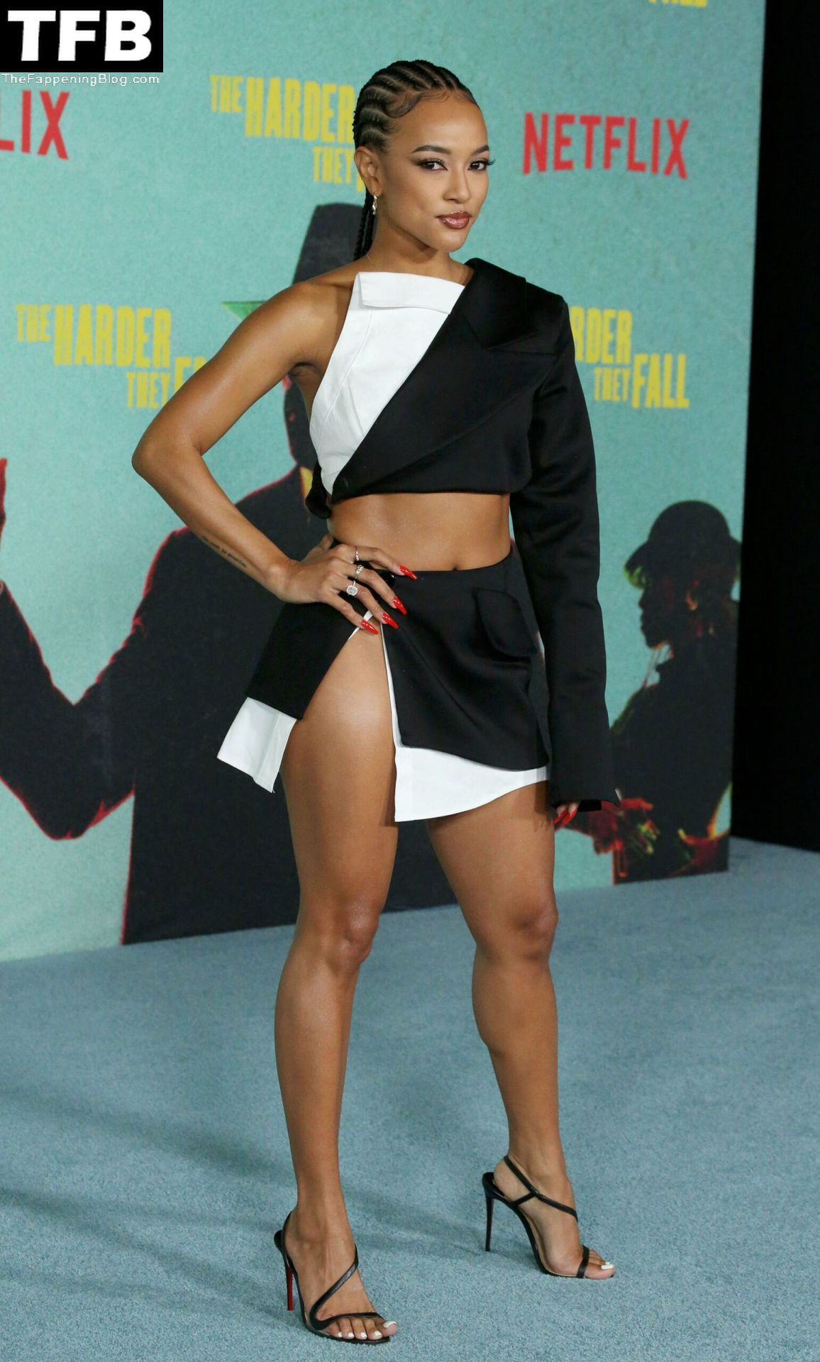 Karrueche-Tran-Sexy-Legs-Upskirt-The-Fappening-Blog-15.jpg