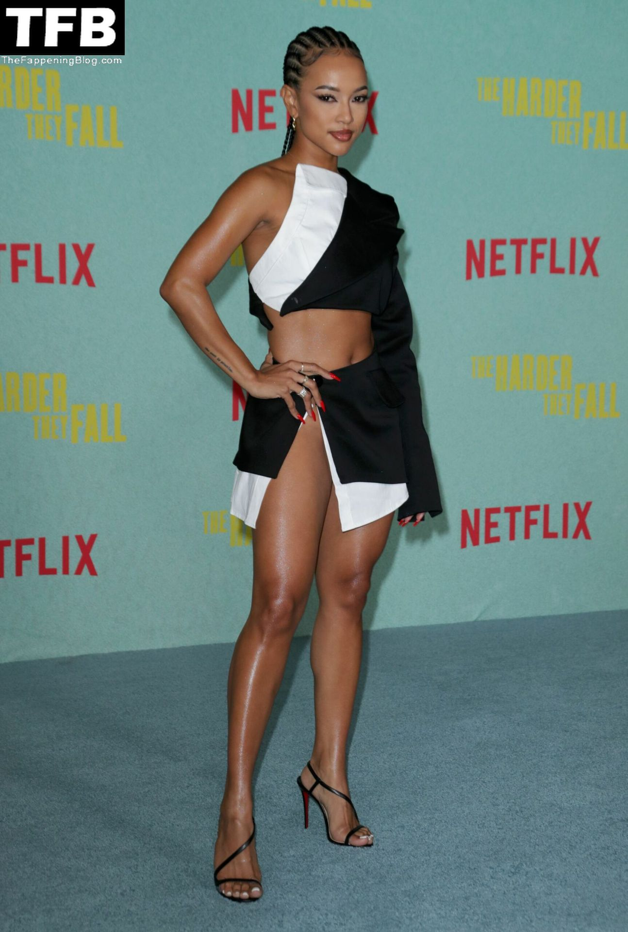 Karrueche-Tran-Sexy-Legs-Upskirt-The-Fappening-Blog-9.jpg
