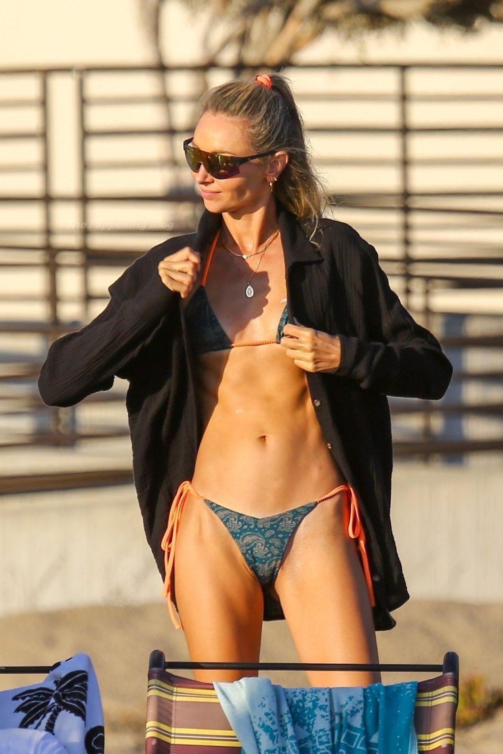 Ludi Delfino Attends a Beach Birthday Party in Santa Monica (9 Photos)