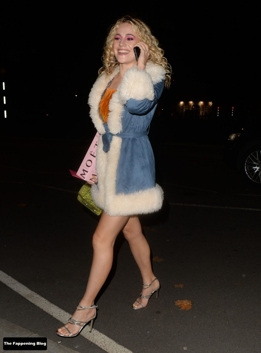 Leggy Pixie Lott is Seen Leaving Sexy Fish in Mayfair (12 Photos)