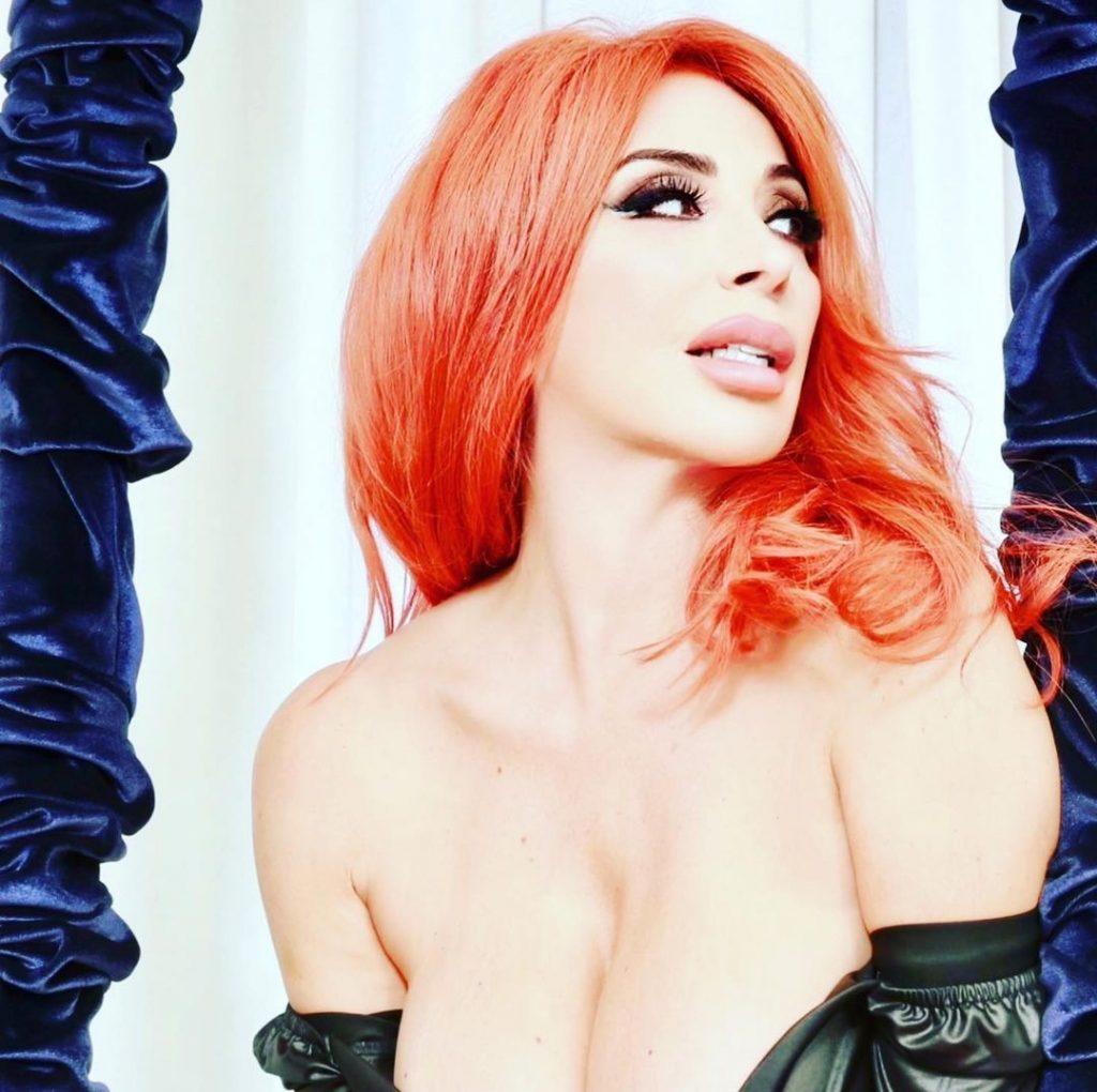 Sonia Grey Nude & Sexy Collection (39 Photos)