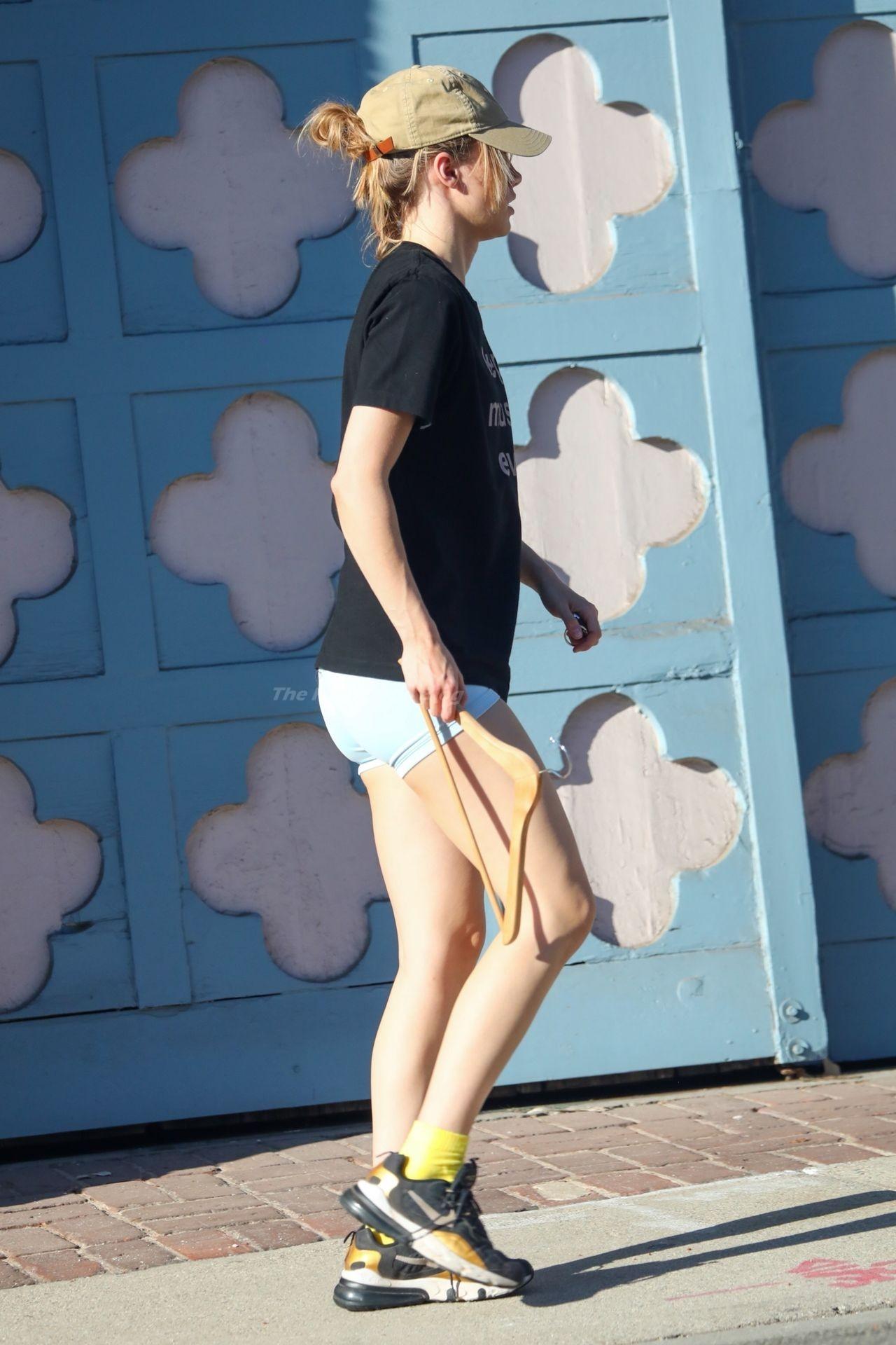 Suki-Waterhouse-Sexy-The-Fappening-Blog-55.jpg