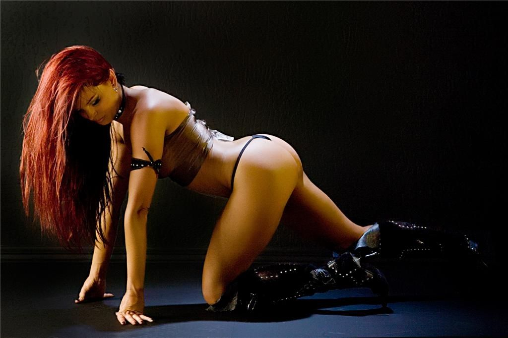 Christy Hemme Nude & Sexy Collection (40 Photos)