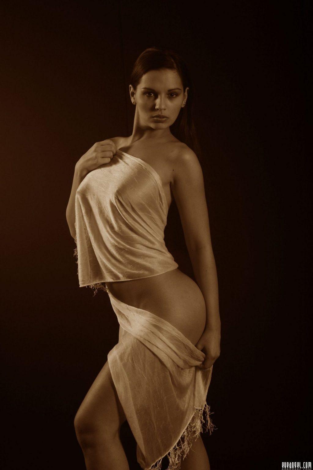 Eve Angel Nude Porn Collection (75 Photos + Videos)