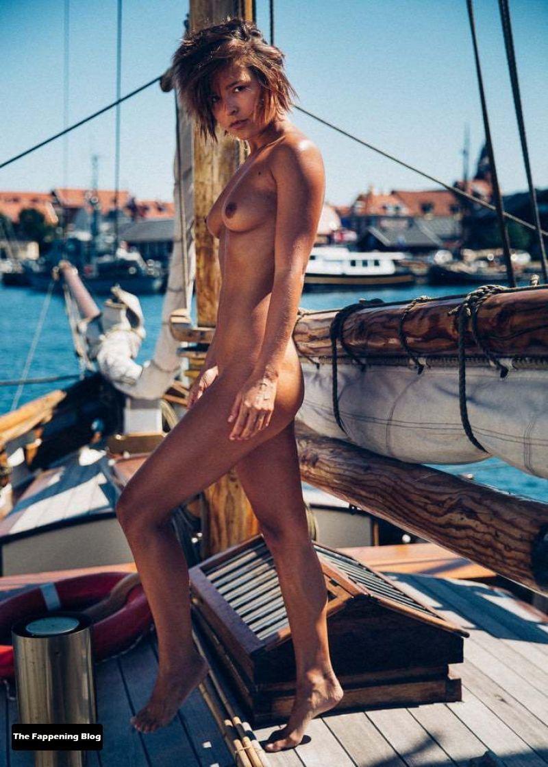 marisa-papen-Nude-Photos-34-thefappeningblog.com_.jpg