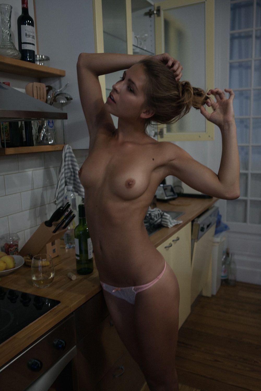 marisa-papen-Nude-Photos-7-thefappeningblog.com_.jpg
