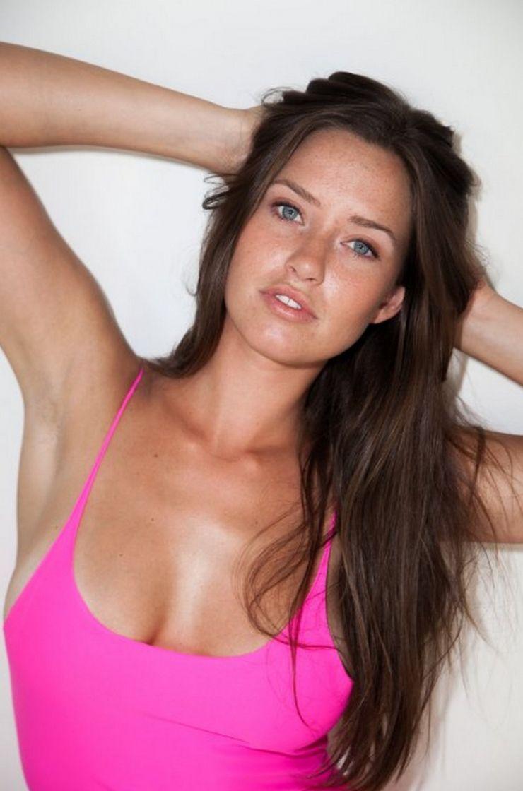 Merritt Patterson Nude & Sexy Collection (46 Photos + Videos)