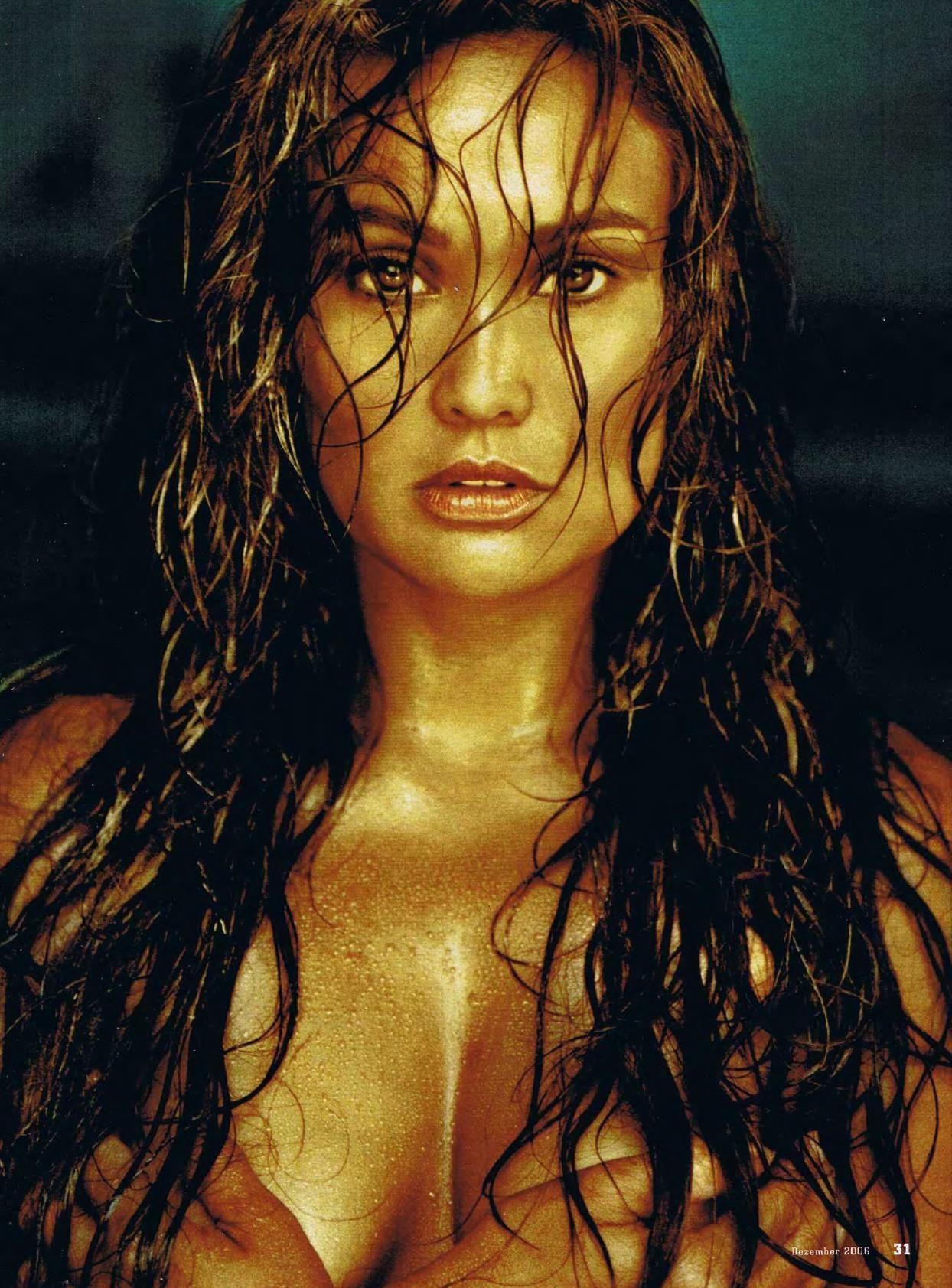 tia-carrere-nude-Sexy-22-thefappeningblog.com_.jpg